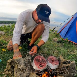 SOLO CAMPING ON A CLIFF.  HUNT FOR YOUR FOOD OR GO HUNGRY. EP 56