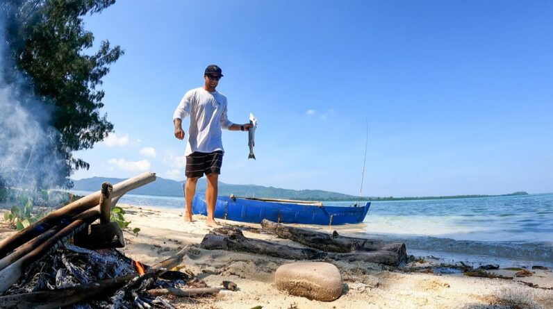 CATCH AND COOK ON A HAND-MADE SINKING BOAT. A deserted island paradise. EP 60
