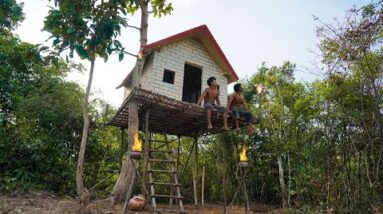 Build The Most Ancient Survival TreeHouse In Jungle